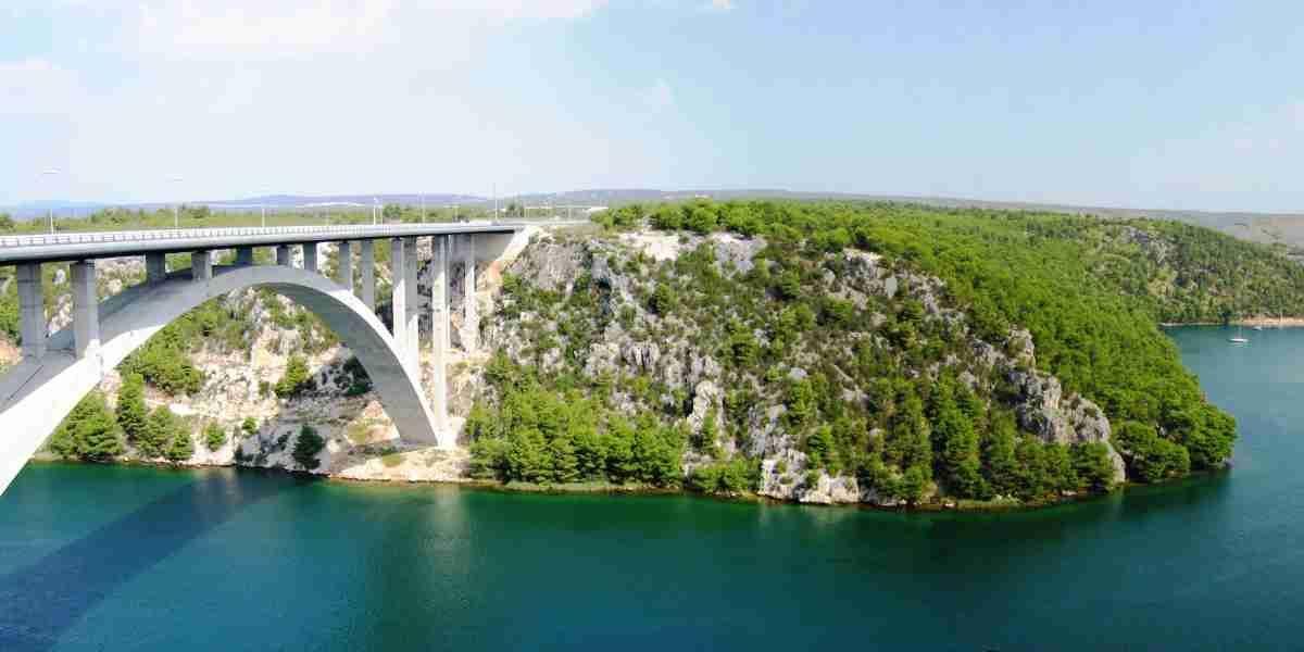 Road Trip: Highways, Cities & Hidden Gems of Eastern Europe